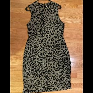 Leopard print knit dress size large